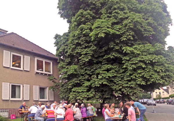 Baumbank-Sit-In kurz vor den Ferien